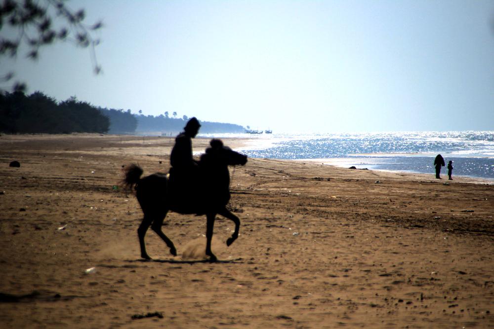 pantai-lombang2