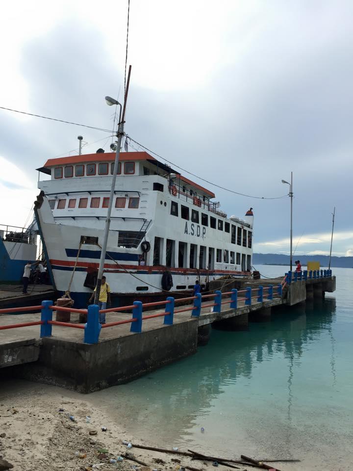 Pelabuhan Hunimua (photograph by Yani Siregar)
